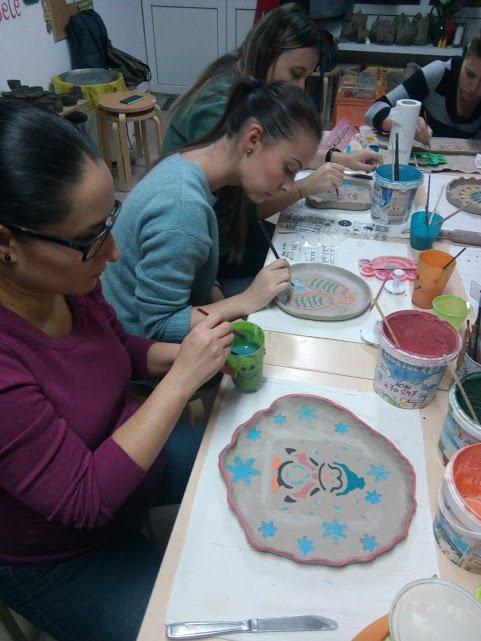 atelier de pictura pe ceramica